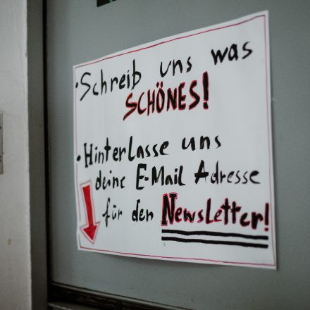 Does the angle between two walls have a happy ending? @ Die Schöne