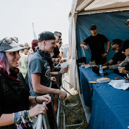 Nova Rock Festival 2019 – Day 1 – Autogrammzelt