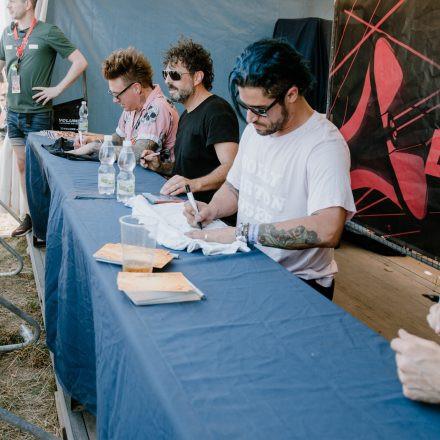 Nova Rock Festival 2019 – Day 3 – Autogrammzelt