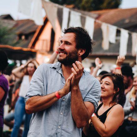 Tanz durch den Tag - Open air @ Creau