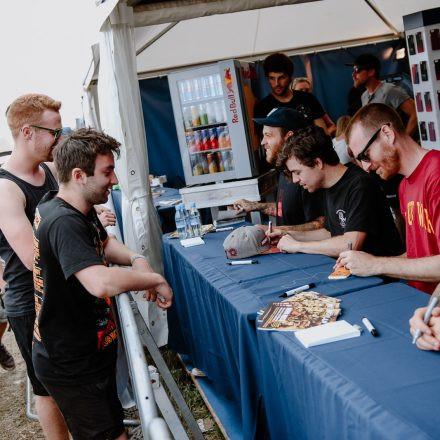 Nova Rock Festival 2018 – Day 3 – Autogrammzelt @ Pannonia Fields