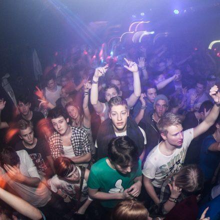 Eristoff Tracks Future Beatz feat. Camo & Krooked @ Flex (support by Stefan Pausa)
