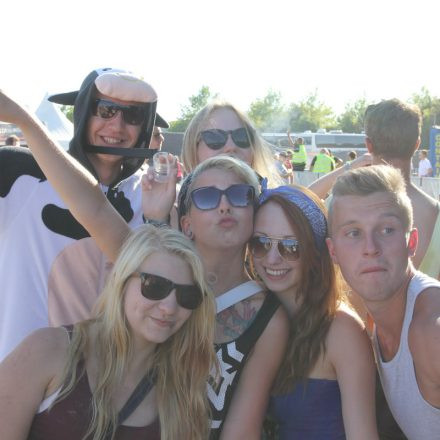 Frequency Win & Chill Area / Autogrammzelt Day 3 @ Green Park
