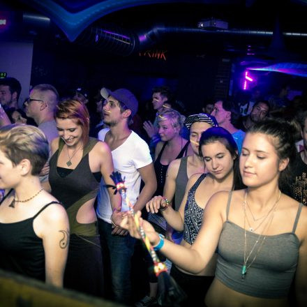 Cosmic Pool Party mit Neelix @ Pratersauna