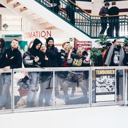 TURBOBIER on Ice - die Revueshow @ Lugner City Wien