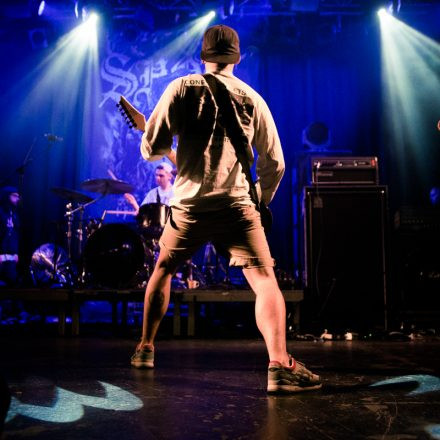 EARLY SHOW Deez Nuts / Comeback Kid / First Blood / Risk It @ Arena Wien