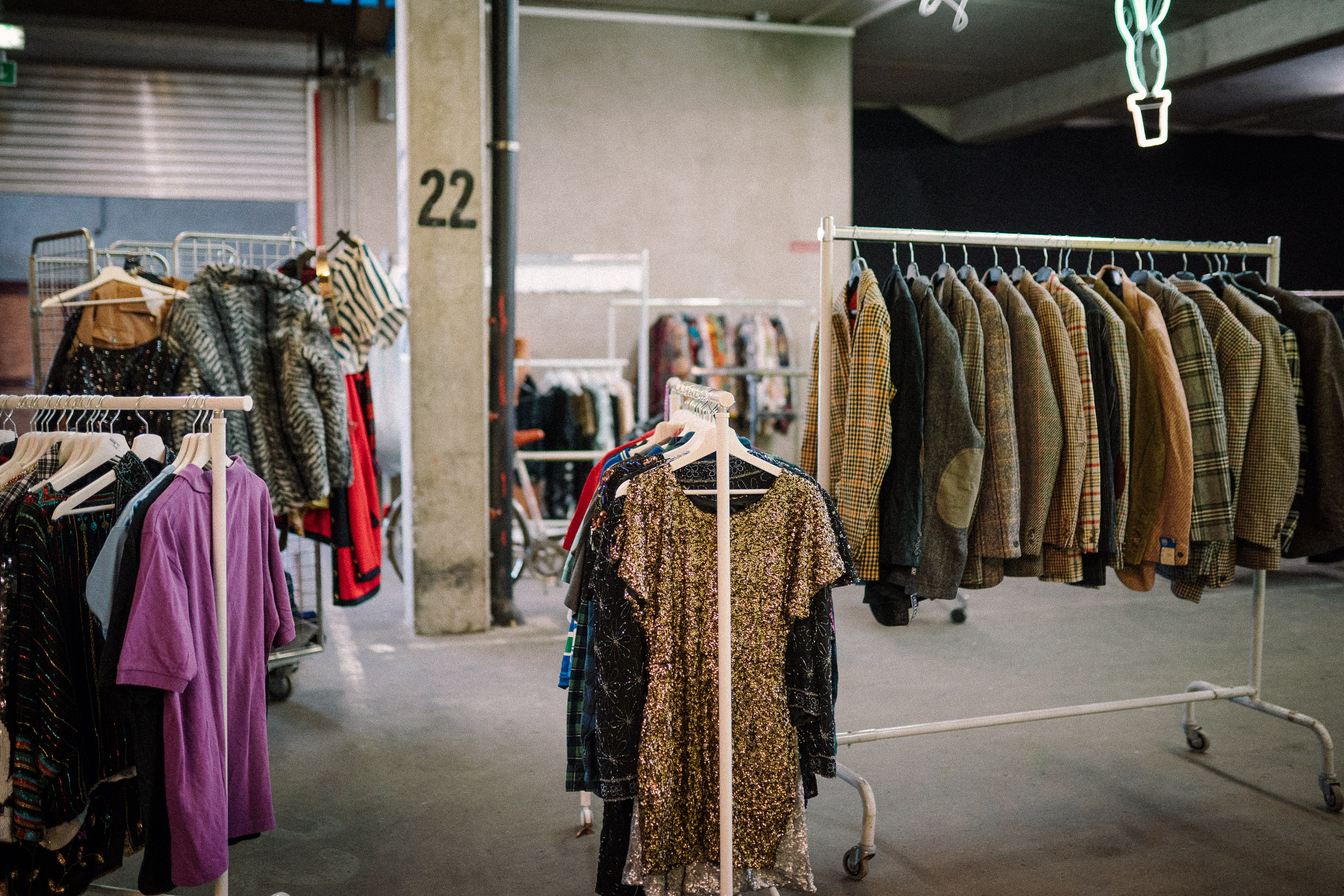 BeThrifty Vintage Kilo Sale am 1. February 2020 @ Altes Hallenbad, Feldkirch.