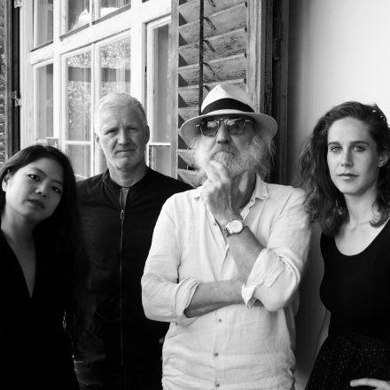 Roland Neuwirth & radio.string.quartet - Konzert